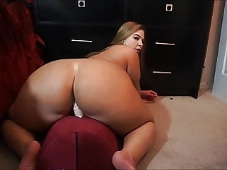 fat ass riding dildo booty bigbutt close-up