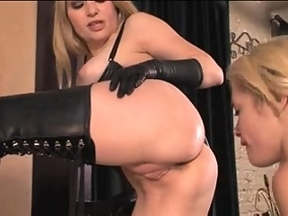 Wicked dominas torture their female slaves face sitting