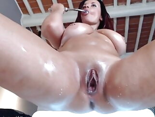 Awesome milf enjoying anal and squirting comparable to irrational anal