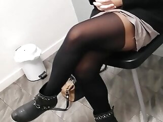 This young mother, nearly the waiting room of the gynecologist.. upskirt