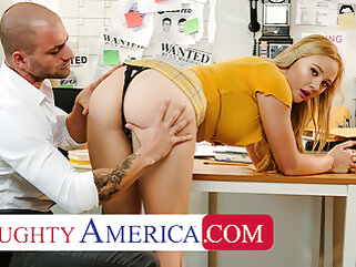 Naughty America - Paisley Porter needs a PI in all directions fuck her blonde